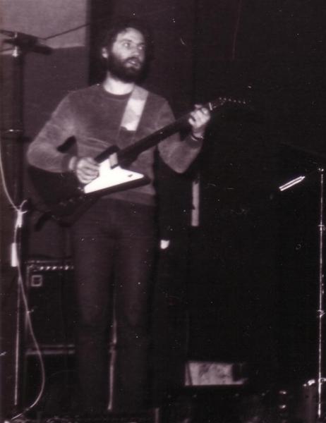 Wiwi Wächter - Guitar, Vocals